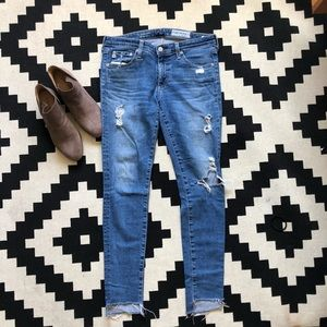 AG The LEGGING ANKLE JEAN DISTRESSED SZ 29